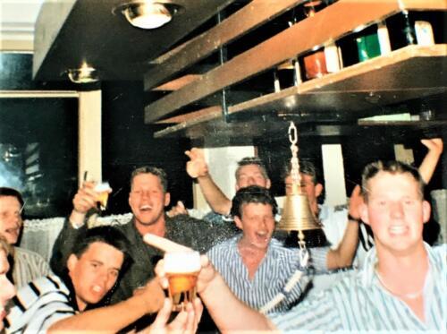 1988 1989 A esk 1e Pel li 88 4 en 5 103 Verkbat Het leven in de Esk bar. Inz. Rolf Jan Goosen. 2