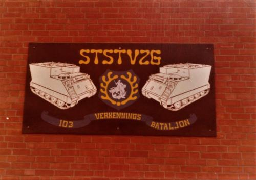 SSV Esk 103 Verkbat Inzender Willem Bezemer Muur plaquette gebouw SSV.